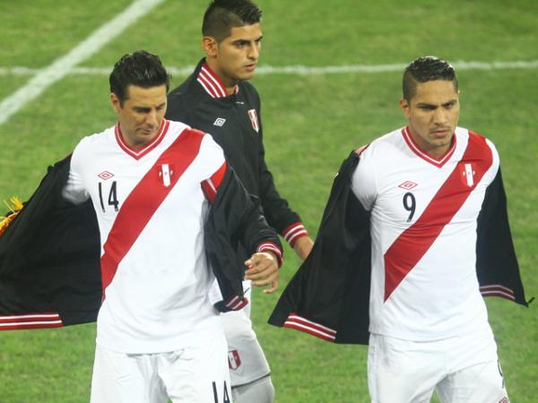 Claudio-Pizarro-Guerrero-convocados-Futebol-Latino-19-09