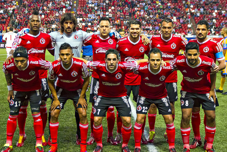 35fcb453ab Jogadores do Tijuana do México só podem usar chuteiras vermelhas