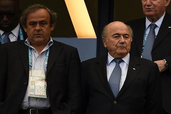 Michel-Platini-Josepho-Blatter-punidos-Futebol-Latino-06-10
