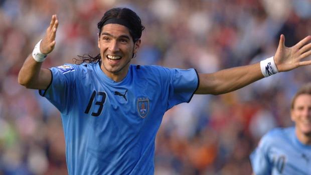 Luis Suárez é o maior camisa 9 da história do Uruguai