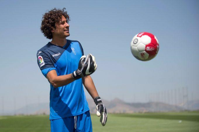 ochoa-partida-excepcional-empate-granada-espanhol-Futebol-Latino-10-12