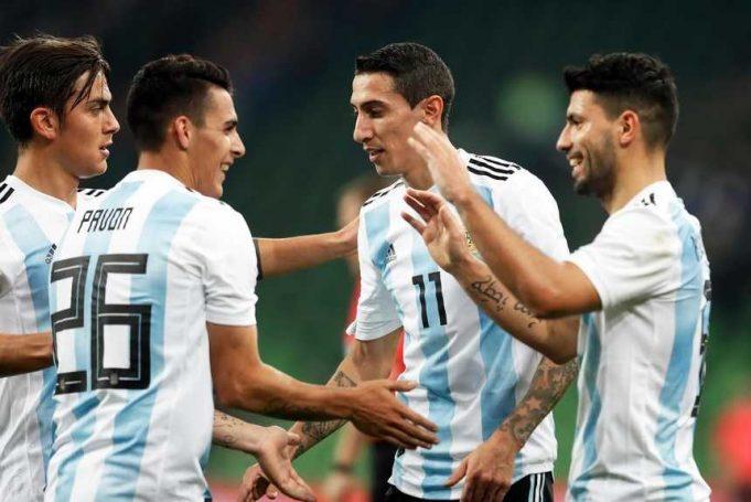 aguero-desmaiou-durante-o-intervalo-de-amistoso-da-argentina-Futebol-Latino-14-11