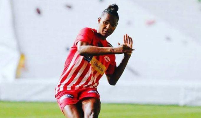 analise-fl-como-e-o-futebol-feminino-pelo-mundo-Futebol-Latino-05-11
