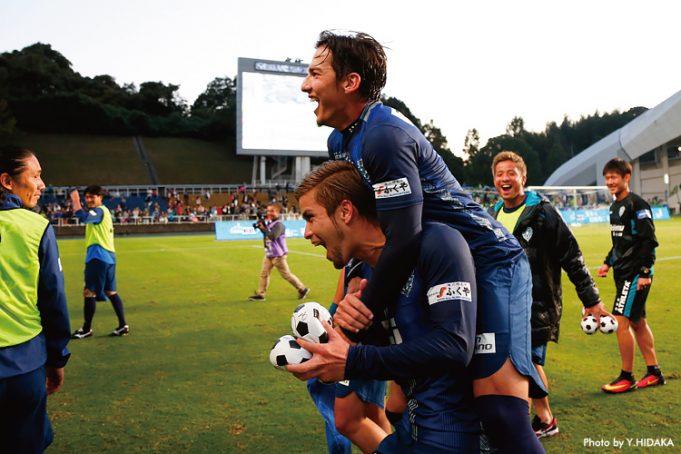 ex-lateral-do-vitoria-esta-firme-por-busca-pelo-acesso-no-japao-Futebol-Latino-08-11
