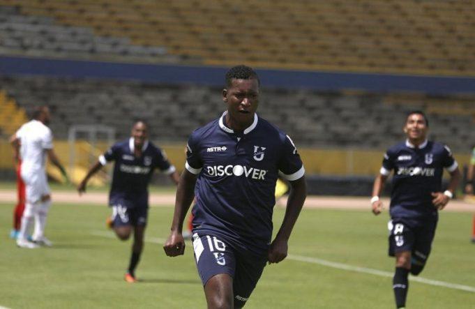 no-equador-atleta-xinga-diretamente-o-tecnico-apos-substituicao-Futebol-Latino-06-11