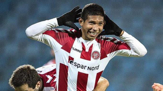 meia-peruano-pode-virar-companheiro-de-ex-corinthians-na-espanha-Futebol-Latino-11-01