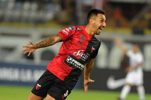 colon-em-situacao-confortavel-recebe-o-desesperado-zamora-Futebol-Latino-05-03