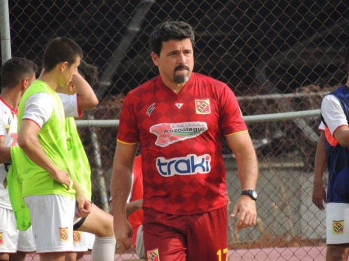 proprietario-do-deportivo-anzoategui-assume-cargo-de-treinador-Futebol-Latino-10-03