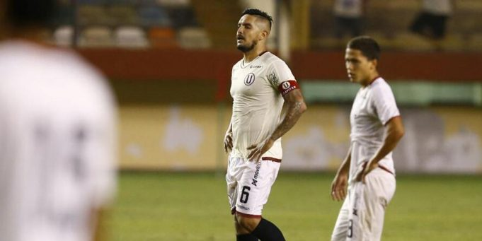 universitario-vive-momento-terrivel-no-inicio-de-temporada-Futebol-Latino-15-03