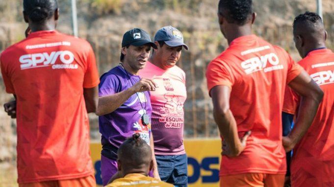 delfin-muda-comando-tecnico-em-meio-a-temporada-Futebol-Latino-16-04
