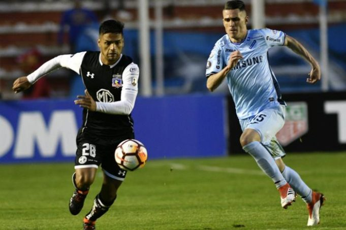 colo-colo-defende-a-chance-de-se-manter-vivo-na-liberta-contra-o-bolivar-Futebol-Latino-14-05