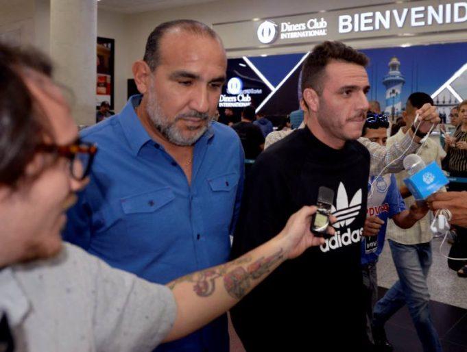 novo-tecnico-do-emelec-nao-dirige-a-equipe-no-clasico-del-astillero-Futebol-Latino-27-05