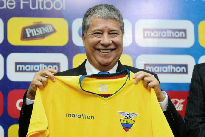 novo-tecnico-do-equador-discorda-em-classificar-tecnicos-como-desatualizados-Futebol-Latino-02-08