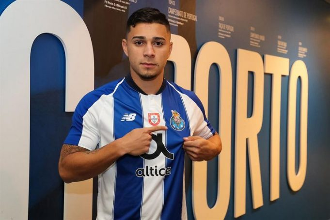 Laterais brasileiros devem ser negociados pelo Porto na próxima janela