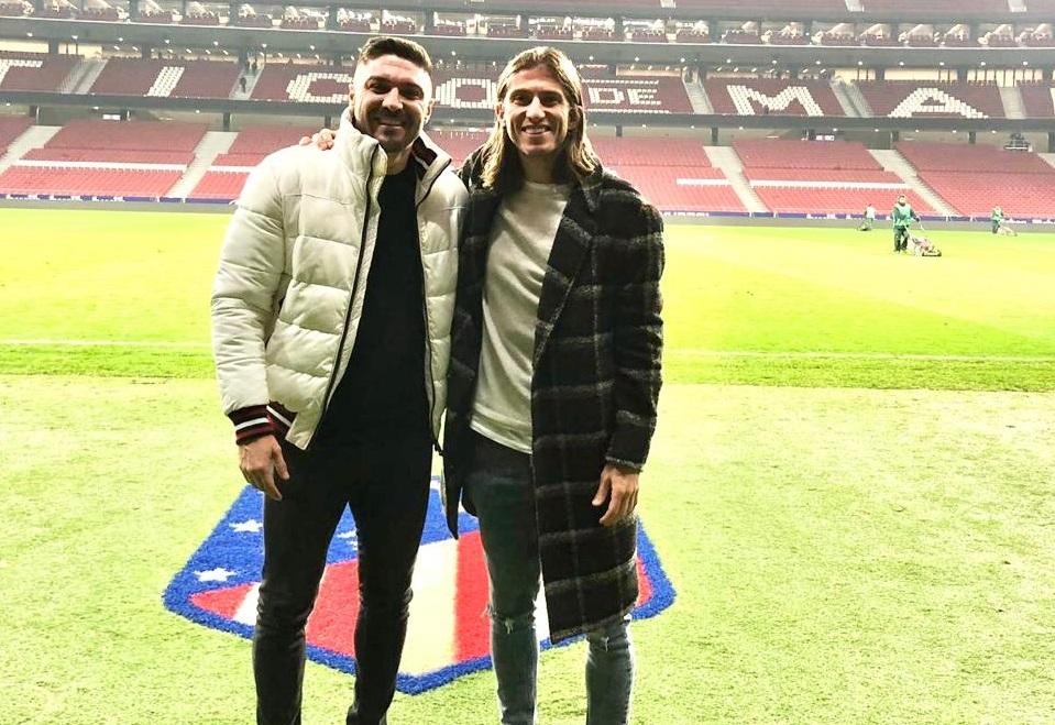Ex-Atlético de Madrid visita antigos companheiros na Espanha 1b784ce089eff