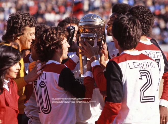 fotografo-japones-publica-fotos-ineditas-dos-titulos-mundiais-de-clubes-brasileiros-Futebol-Latino-12-12