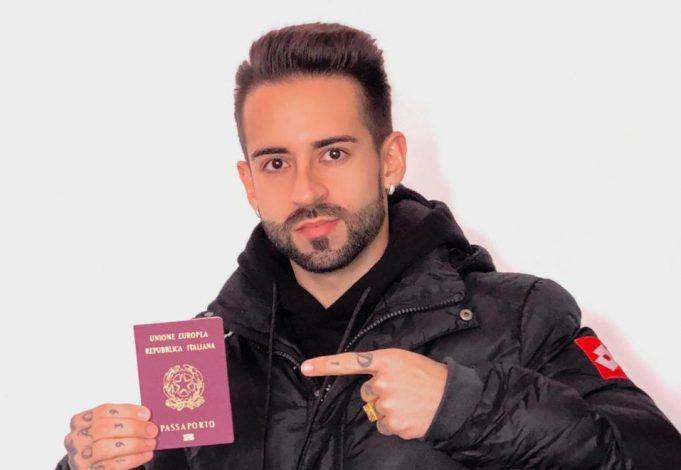 meia-formado-no-corinthians-recebe-o-passaporte-europeu-Futebol-Latino-20-12