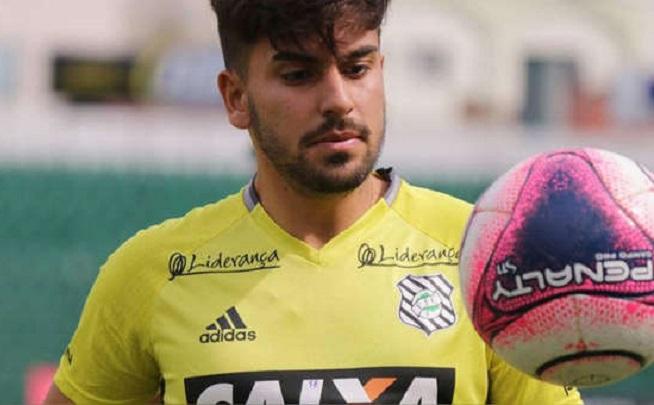 meia-peruano-comenta-sobre-experiencia-frustrada-no-brasil-Futebol-Latino-07-01