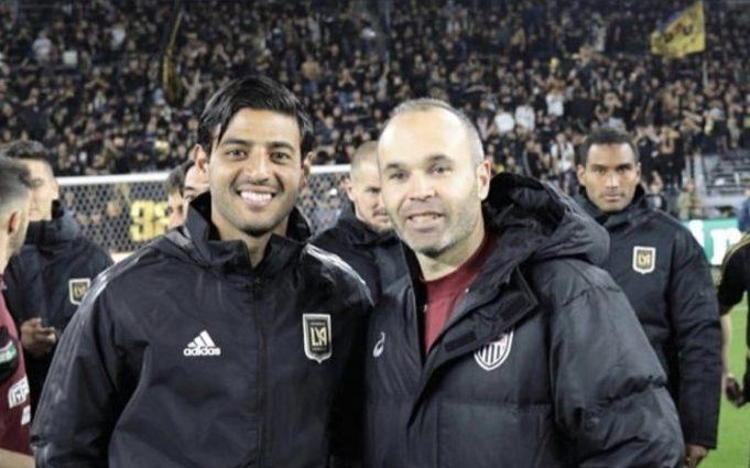 apos-amistoso-carlos-vela-e-motivo-de-elogios-para-iniesta-Futebol-Latino-03-02