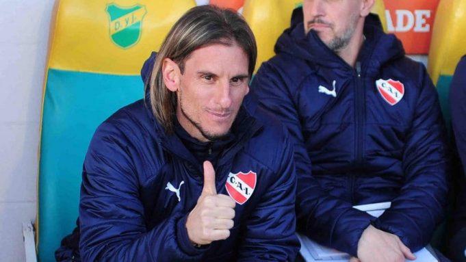 apos-partida-tecnico-do-independiente-vai-parar-no-hospital-Futebol-Latino-29-07