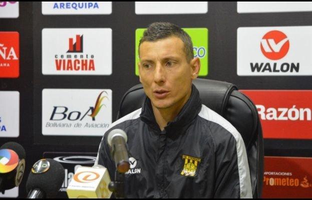 pablo-escobar-e-demitido-do-comando-tecnico-do-the-strongest-Futebol-Latino-07-08