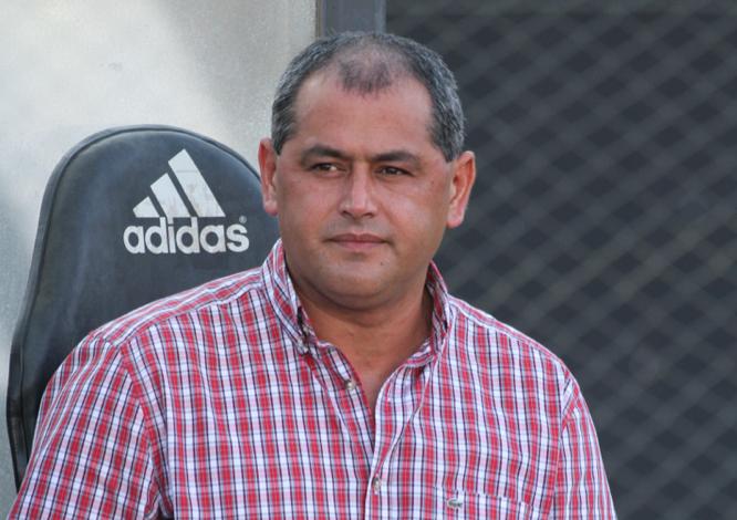Arce-Olimpia-Futebol-Latino-05-08
