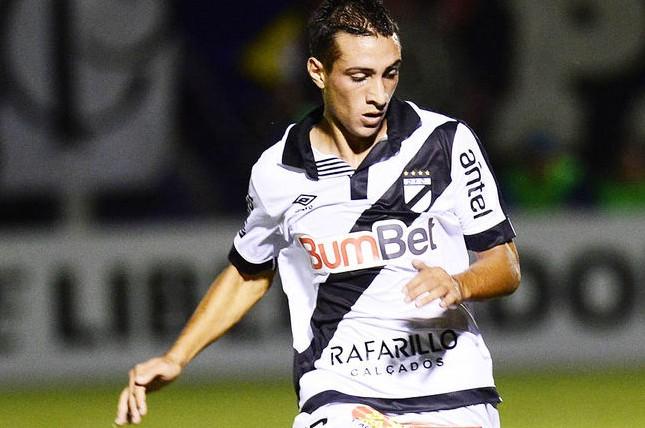 Marcelo-Tabárez-uruguaio-Futebol-Latino-14-08