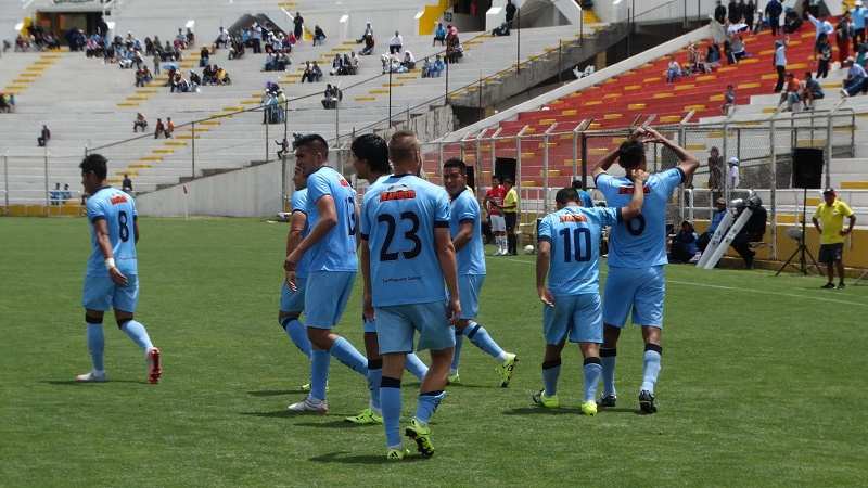 Real-Garcilaso-perto-do-título-Clausura-Peru-Futebol-Latino-27-11