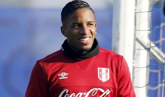 Jefferson-Farfán-presenciará-clássico-Alianza-Lima-Sporting-Cristal-Futebol-Latino-26-02
