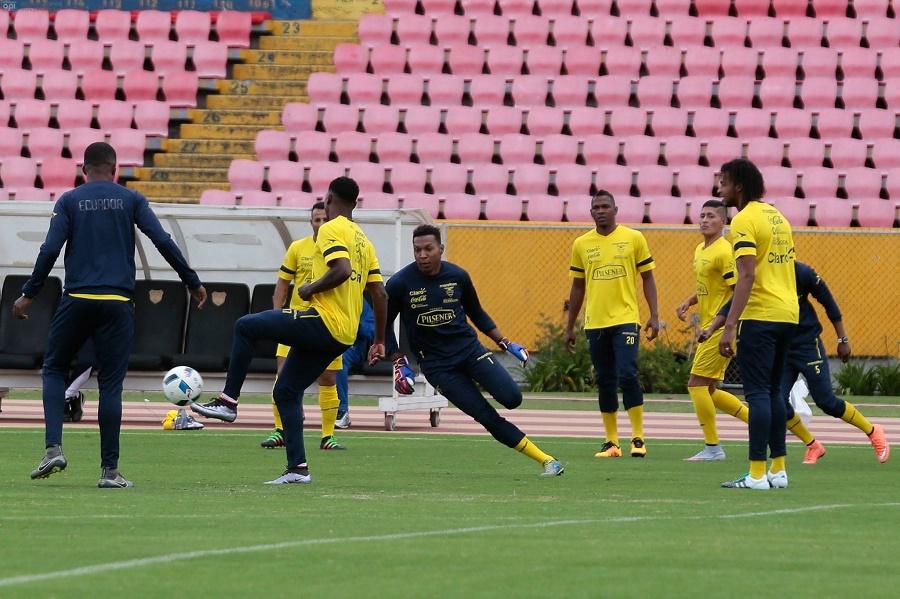 Equador-lista-ausências-Paraguai-Eliminatórias-Futebol-Latino-23-03