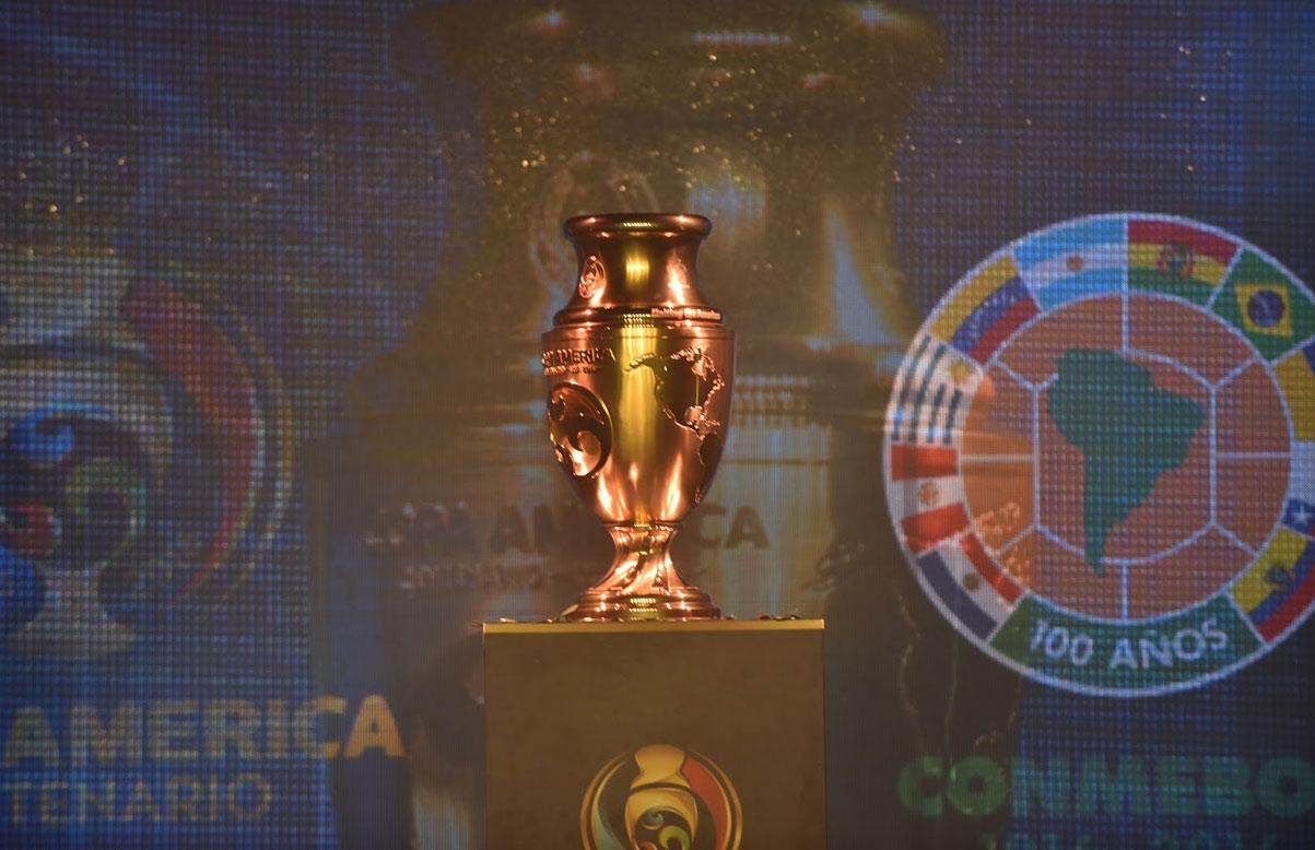 evento-historico-exposicao-trofeu-copa-america-centenario-Futebol-Latino-29-04