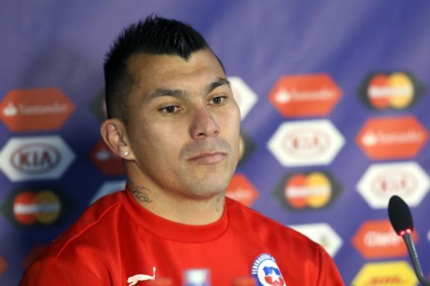 polivalente-jogador-chileno-e-chamado-de-anao-por-ex-tecnico-da-inter-de-milao-Futebol-Latino-04-03