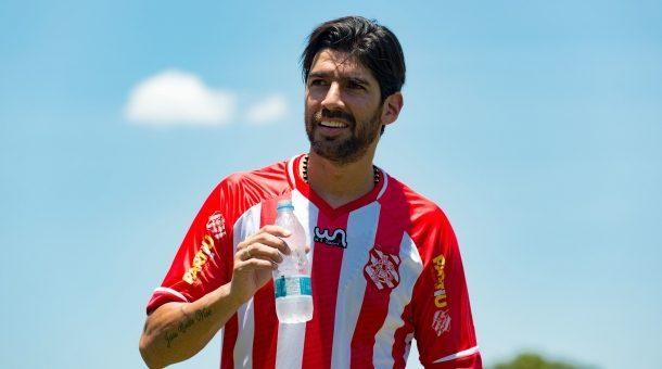 loco-abreu-bangu-destino-sera-clube-da-segundona-uruguaia-Futebol-Latino-03-04