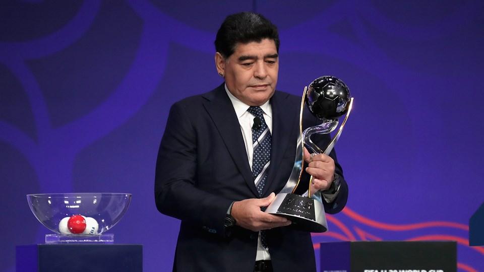 maradona-nao-poupou-criticas-ao-atual-treinador-da-selecao-argentina-Futebol-Latino-19-06