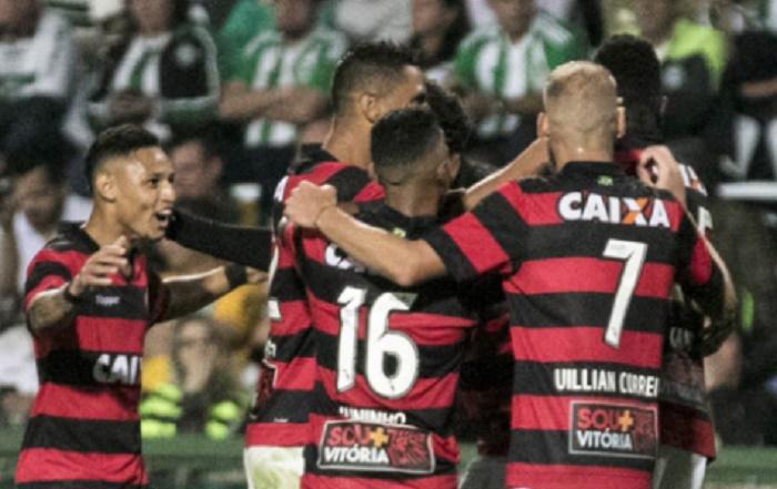 Um-gol-do-grupo- ressalta-zagueiro-do-Vitória-Futebol-Latino-28-08