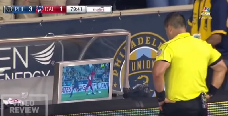 arbitro-de-video-entra-em-acao-pela-primeira-vez-na-major-league-soccer-Futebol-Latino-06-08