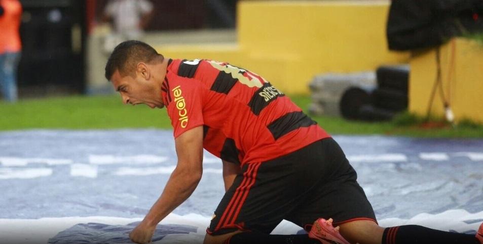 idolatrado-diego-souza-alvo-pesadas-criticas-apos-derrota-Futebol-Latino-20-08