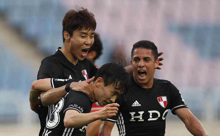 jovem-brasileiro-empolgado-com-possibilidade-de-conquistar-dois-titulos-na-coreia-do-sul-Futebol-Latino-12-08