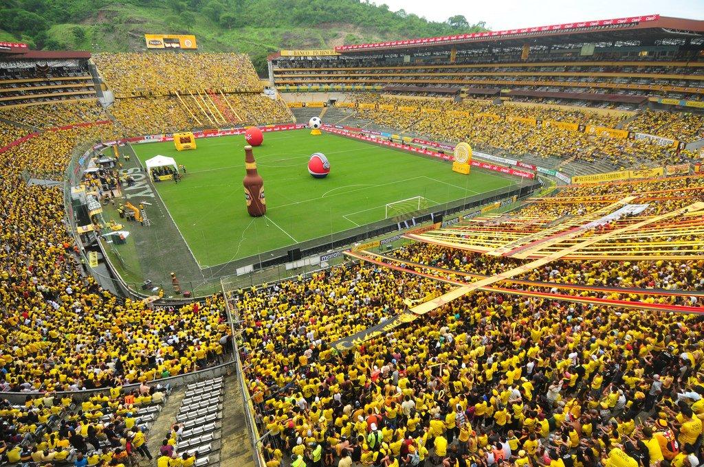 os-estadios-futebol-bonitos-da-america-do-sul-Futebol-Latino-07-08
