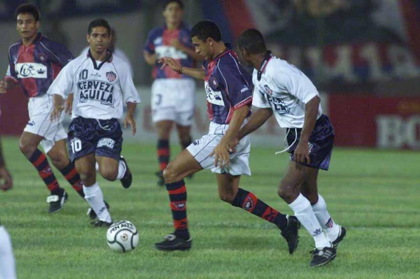 relembre-os-ultimos-encontros-adversarios-na-sul-americana-parte-1-Futebol-Latino-11-09