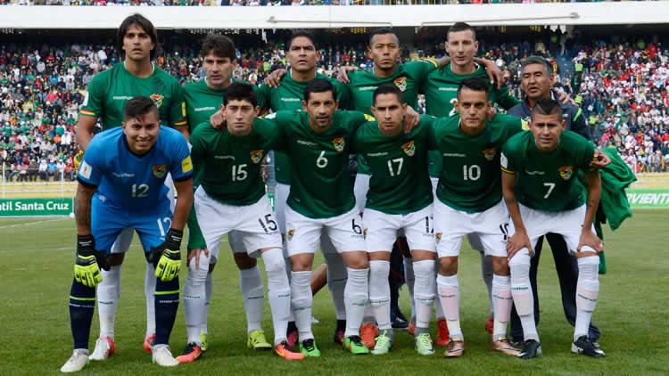 tecnico-da-bolivia-nao-misterio-equipe-titular-diante-do-brasil-Futebol-Latino-05-10