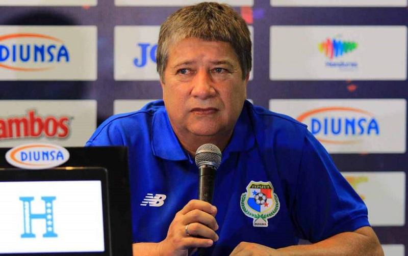 zagueiro-exaltado-coletiva-tecnico-do-panama-comunicado-Futebol-Latino-08-10