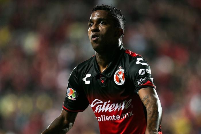 clube-mexicano-ainda-deve-ao-gremio-transferencia-de-bolanos-Futebol-Latino-25-12