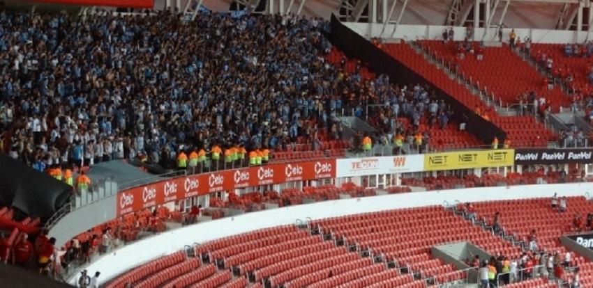 saldo-de-confusoes-no-grenal-12-torcedores-punidos-em-mais-de-100-partidas-Futebol-Latino-13-03