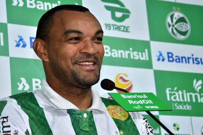 em-apresentacao-diones-exalta-estrutura-e-grandeza-do-juventude-Futebol-Latino-07-04