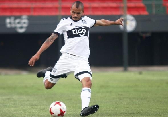 lateral-do-olimpia-renova-contrato-por-duas-temporadas-Futebol-Latino-08-04