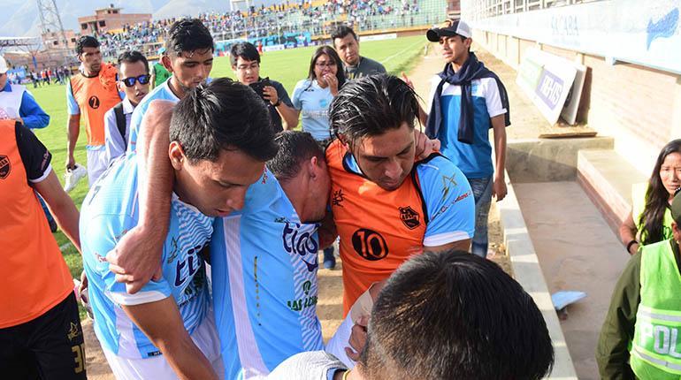no-minuto-final-da-partida-jogador-tem-lesao-ligamentar-na-bolivia-Futebol-Latino-10-04
