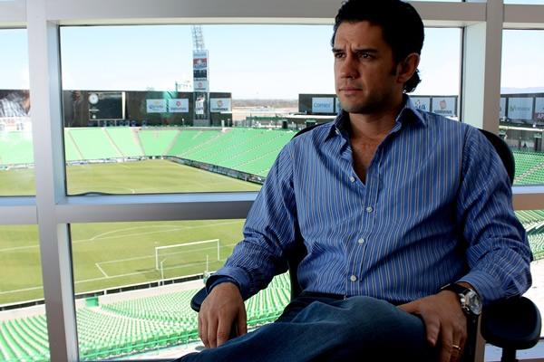 no-mexico-presidente-de-clube-se-irrita-e-abandona-entrevista-Futebol-Latino-18-05