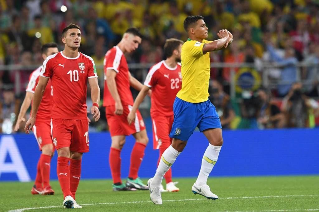 brasil-ganha-da-servia-e-passa-como-primeiro-em-seu-grupo-Futebol-Latino-28-06