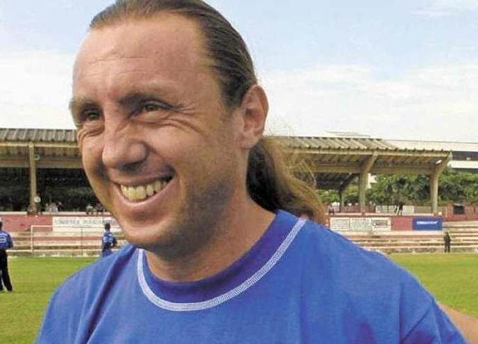 idolo-equatoriano-e-convidado-a-ser-dirigente-do-cruz-azul-Futebol-Latino-05-06